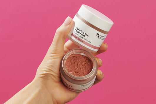 Natural pink clay face mask
