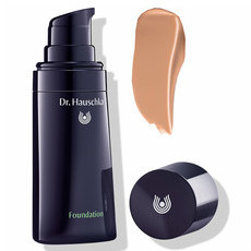 Dr. Hauschka Foundation 04 Hazelnut
