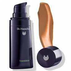 Dr. Hauschka Foundation 06 Walnut