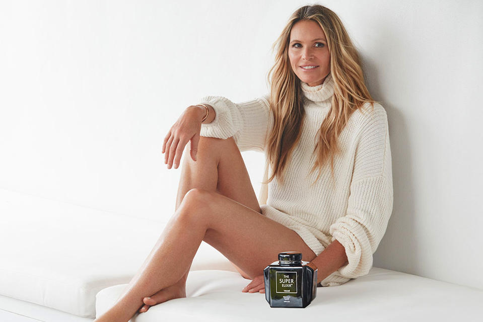 Elle Macpherson with WelleCo products